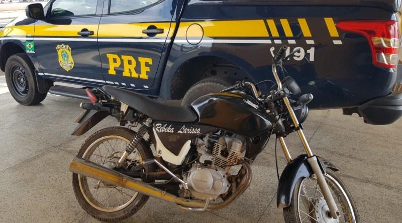 PRF prende motociclista por receptação na BR 316