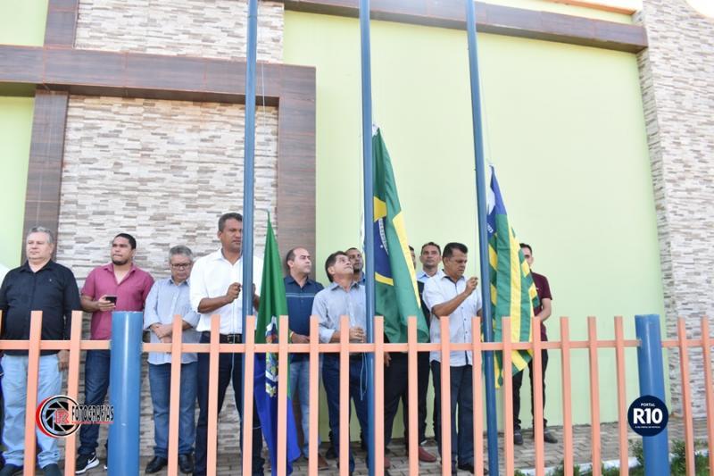 Hasteamento da Bandeira em alusão aos 24 anos de Campo Largo do Piauí-PI