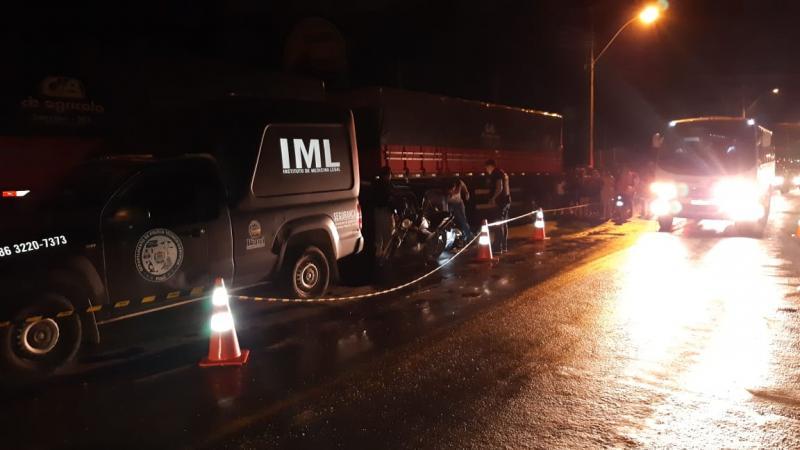 Família morre atropelada por carreta na BR 343 em Teresina
