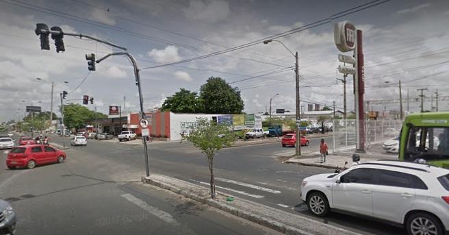 Trânsito no cruzamento da Barão com Gil Martins é alterado