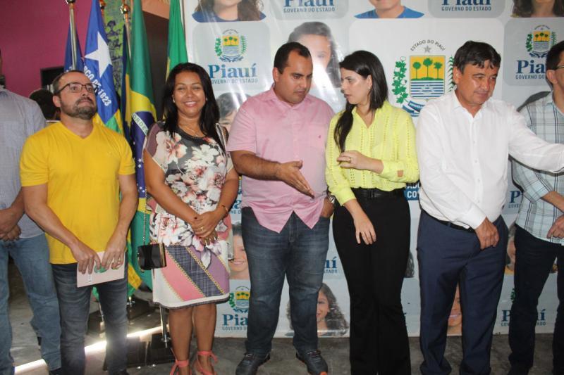Doquinha vai assinar convênio para construção da praça de alimentação