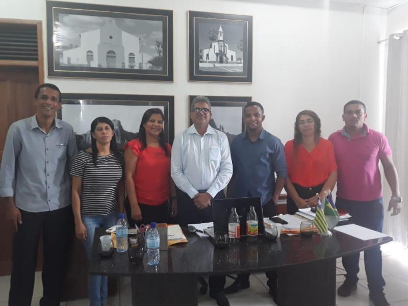 Prefeito Murilo se reúne com conselheiros tutelares de Corrente