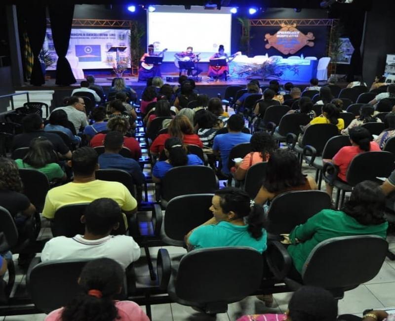 """SEMEC promove semana pedagógica com o tema """"aprendizagem significativa"""""""