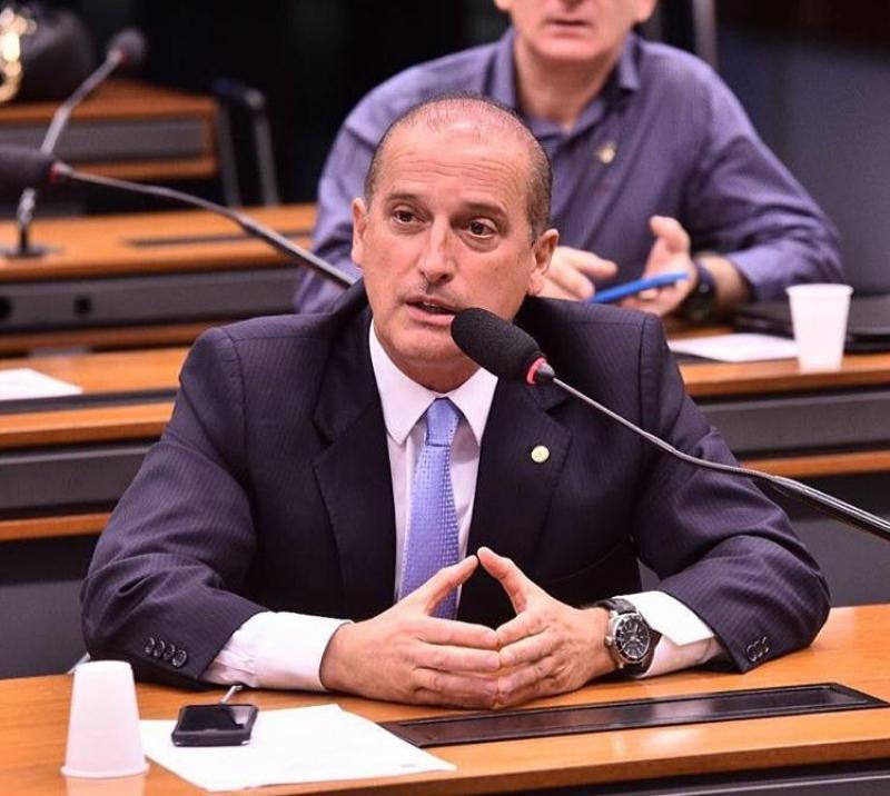 Brasileiros serão trazidos de volta até sexta-feira, afirma ministro