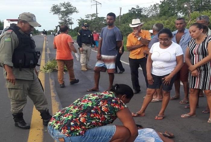 Idosa de 60 anos morre após ser colhida por ônibus de turismo no PI