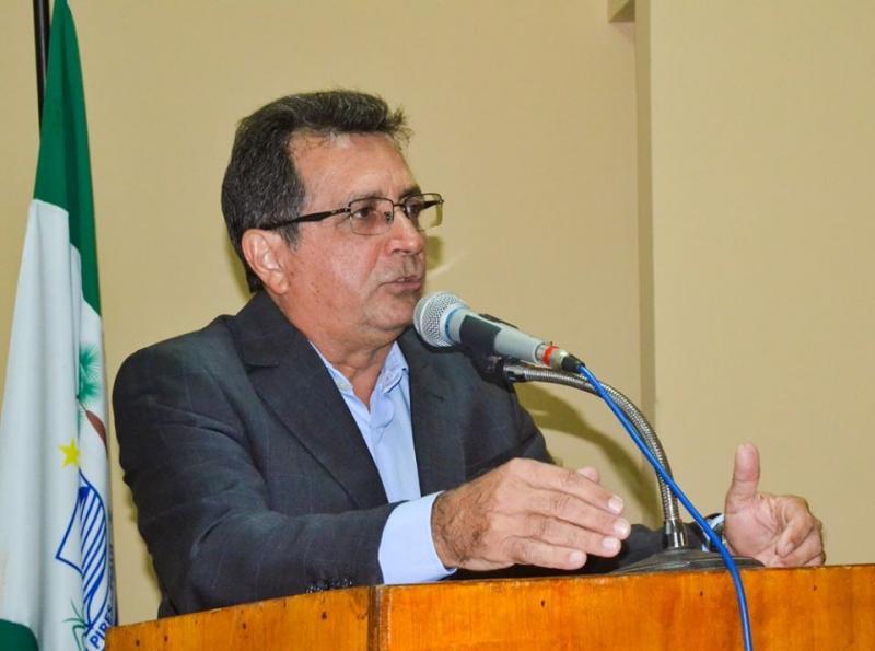 Prefeito Genival Bezerra participa da abertura do ano legislativo de 2020
