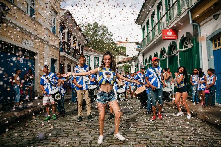 Carnaval deve movimentar R$ 8 bilhões no setor turístico