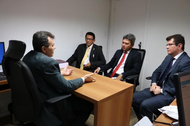 OAB Piauí busca soluções para o PJe junto ao TJ-PI