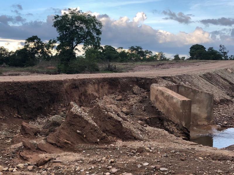 Obras da gestão passada de Pau D'arco não resistem às primeiras chuvas