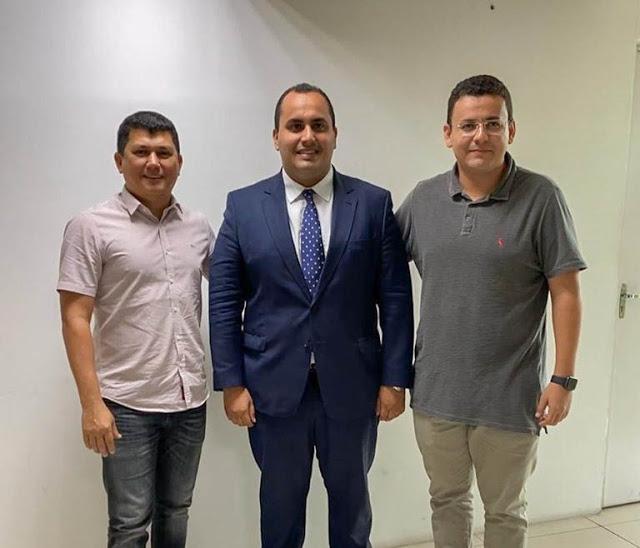 Prefeito Rubens se reúne com deputado para tratar de emendas parlamentares