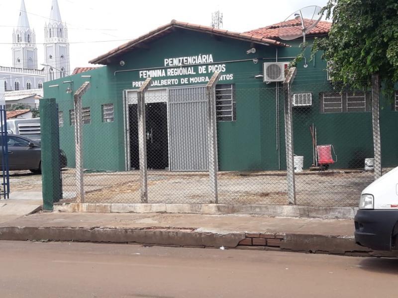 Detenta da Penitenciária Feminina de Picos é aprovada no Enem PPL
