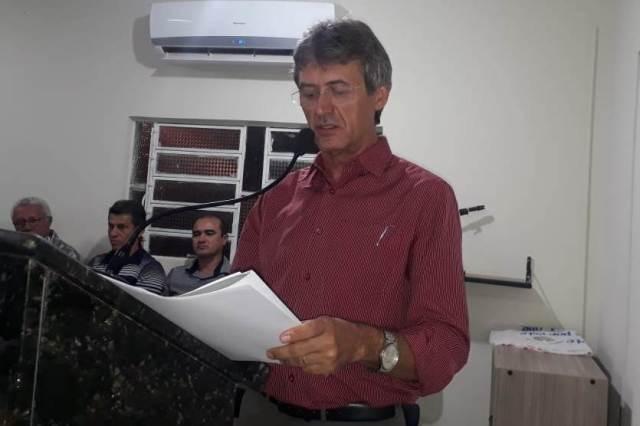 Prefeito Valmir Barbosa apresenta ações de governo na Câmara de vereadores.