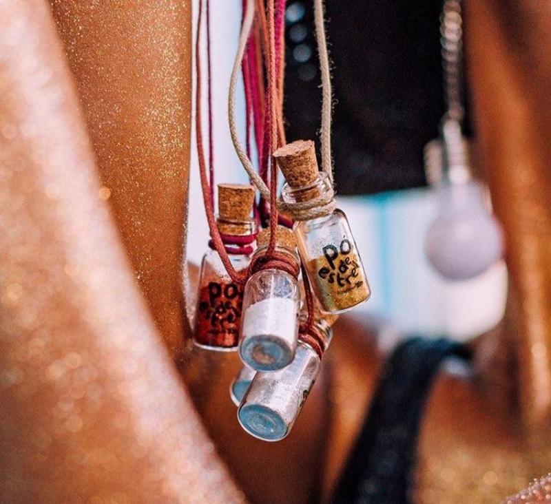 Saiba quais marcas vendem glitter biodegradável para o carnaval