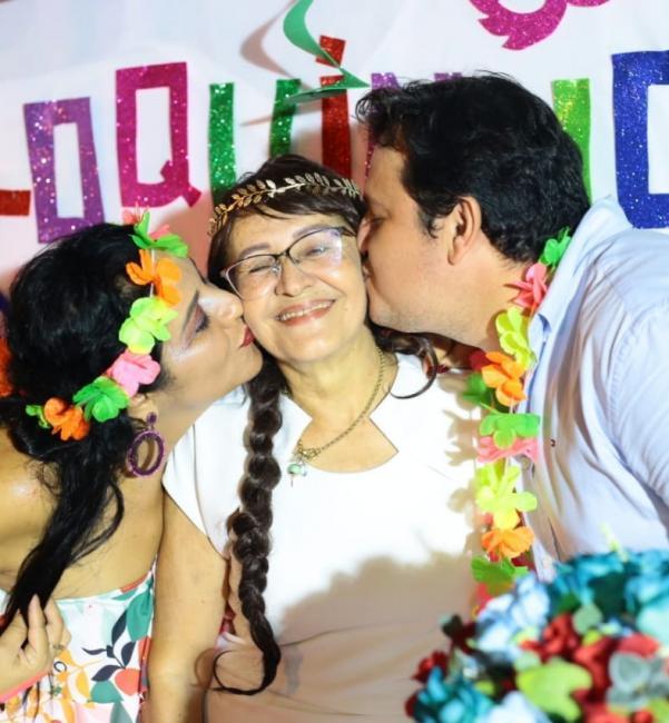 Luisa Teixeira comemora seu aniversário com amigos e familiares