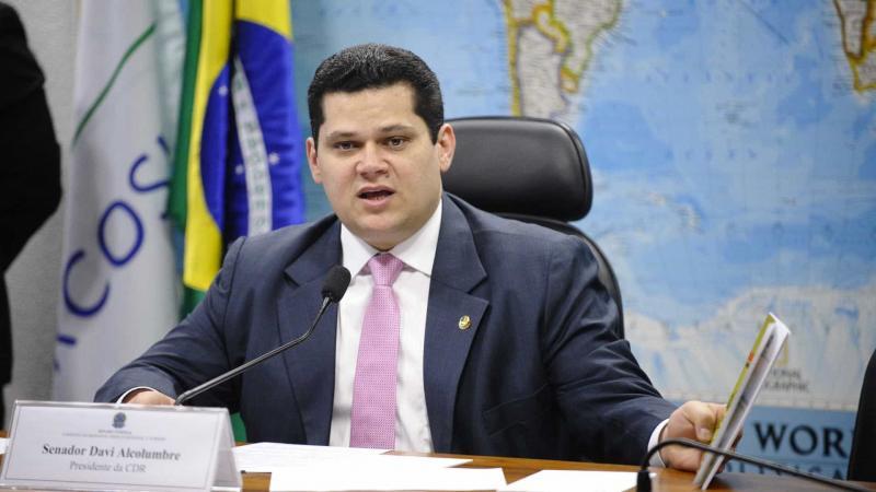 Alcolumbre convoca Congresso para analisar vetos de Bolsonaro