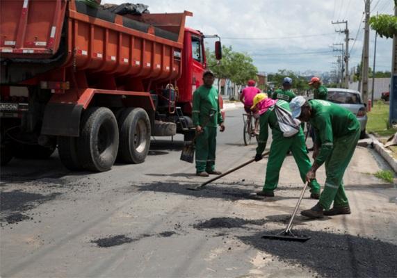 Ruas e avenidas de Timon seguem recebendo recuperação asfáltica