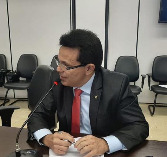 Santana participou de reunião de gestores de Assistência Social em Brasília