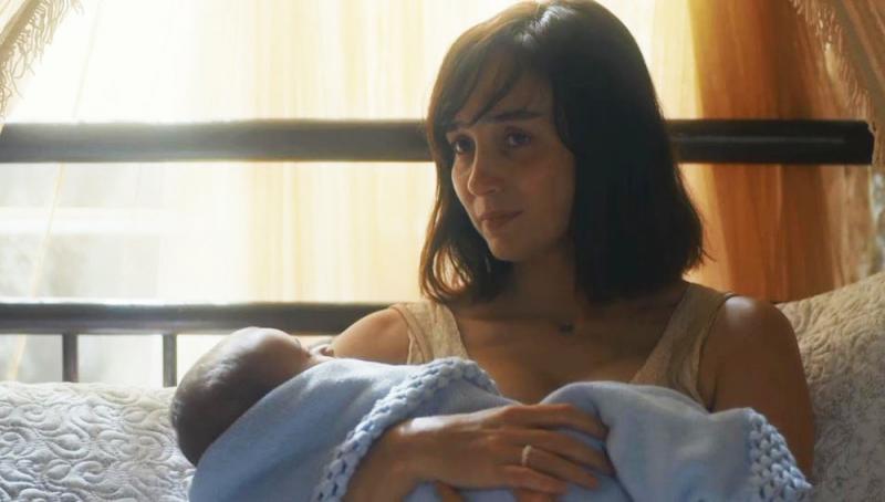 Éramos Seis: Clotilde entrega seu filho para Olga e Zeca