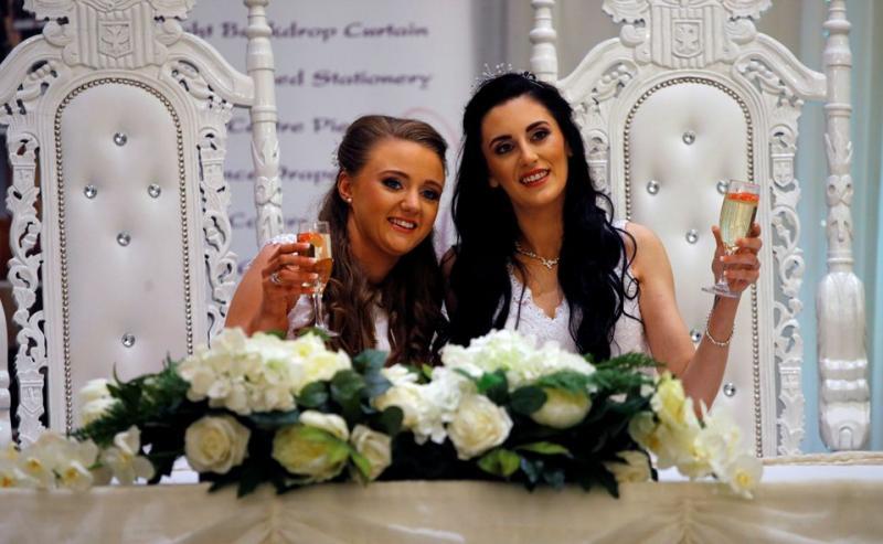 Irlanda do Norte celebra primeiro casamento homoafetivo