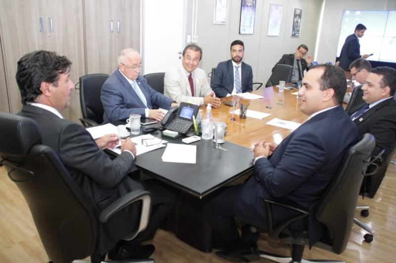 Ministro da Saúde garante recursos para Água Branca