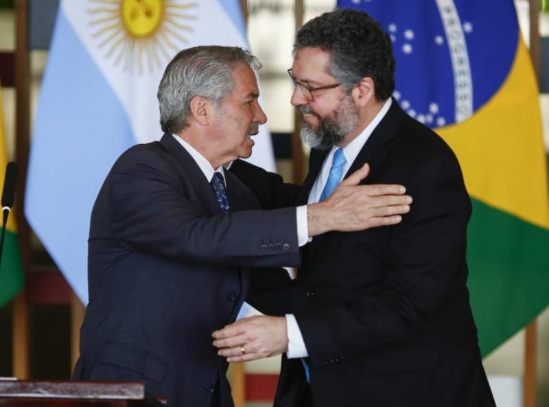 Argentina pede apoio do Brasil para renegociar dívida com FMI