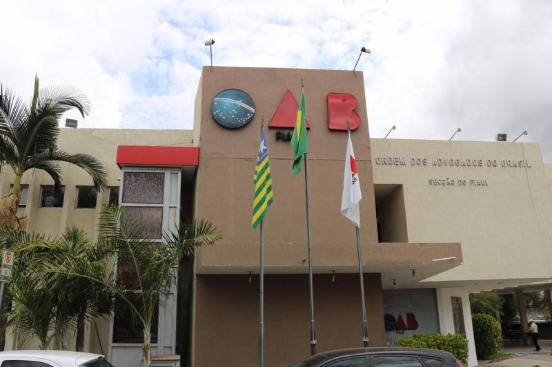 Justiça suspende atividade de empresa com serviço irregular de advocacia
