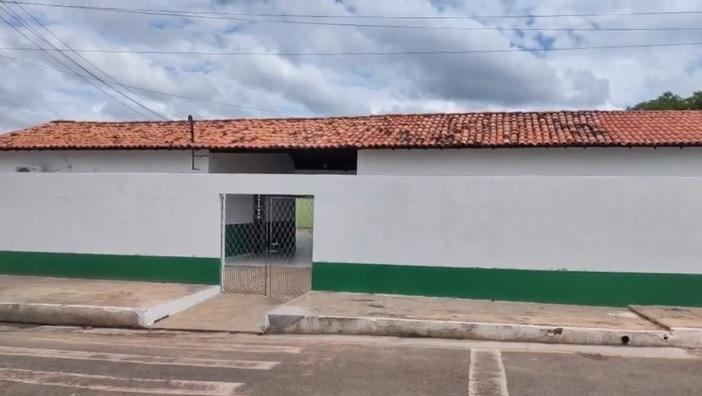 Prefeitura de Santa Cruz dos Milagres realiza reformas em escolas