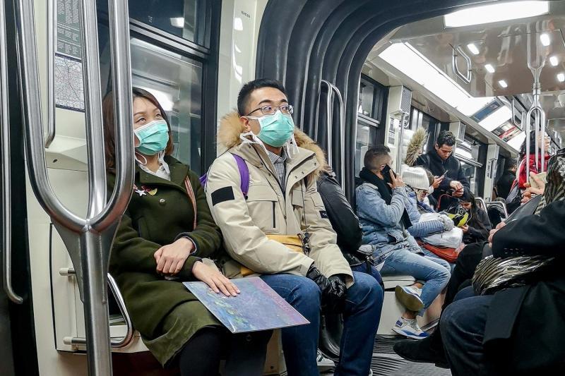 França anuncia primeira morte por coronavírus fora da Ásia