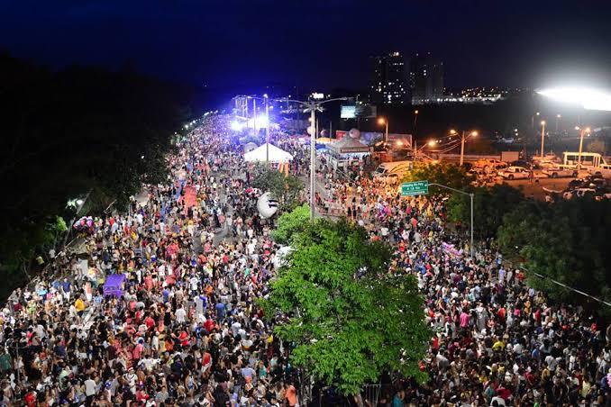 Cerca de 300 mil pessoas são esperadas no Corso