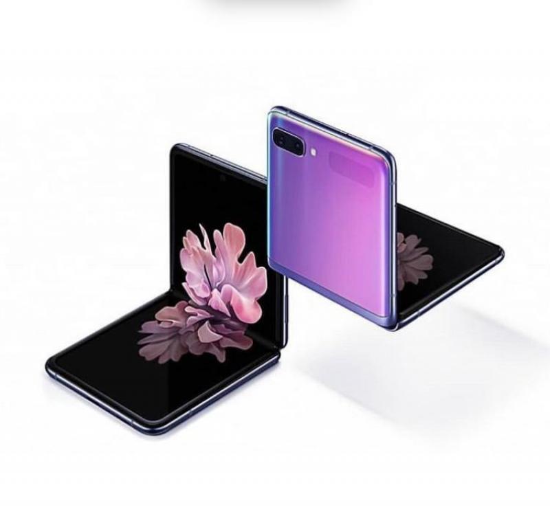 Samsung Galaxy Z Flip faz sucesso e acaba em menos de oito horas