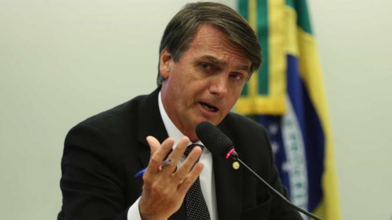 Bolsonaro deixa o Alvorada para assistir à final da Supercopa