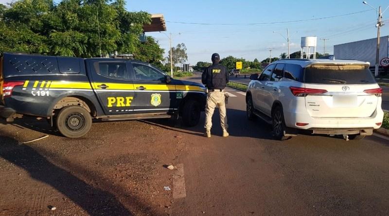 Motorista é preso com carro de luxo adulterado na BR 316