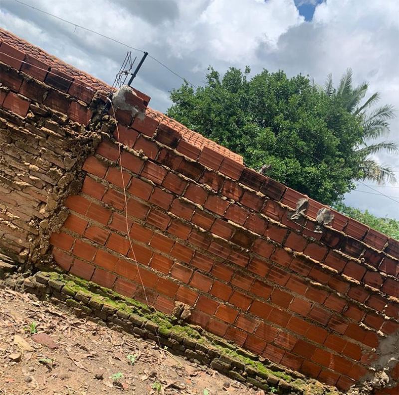 Homem morre eletrocutado em muro ao tentar fugir da polícia