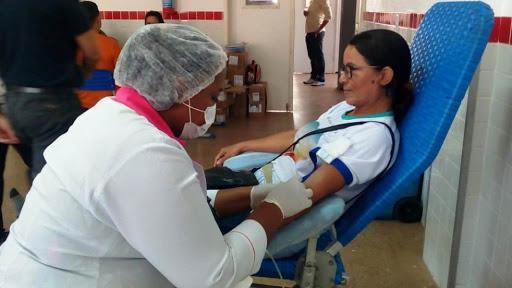 Hemopi realiza campanha para incentivar doação de sangue