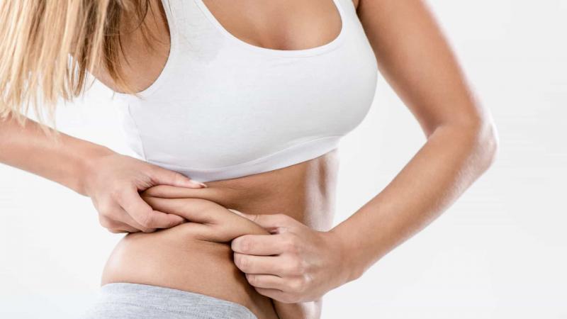 Como posso me livrar da flacidez após a perda de peso?