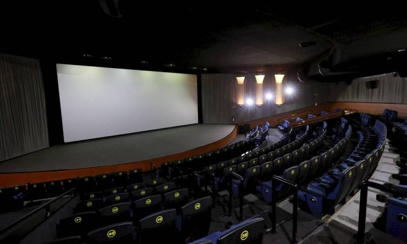 Mais de 400 projetos de filmes e séries estão parados no Brasil