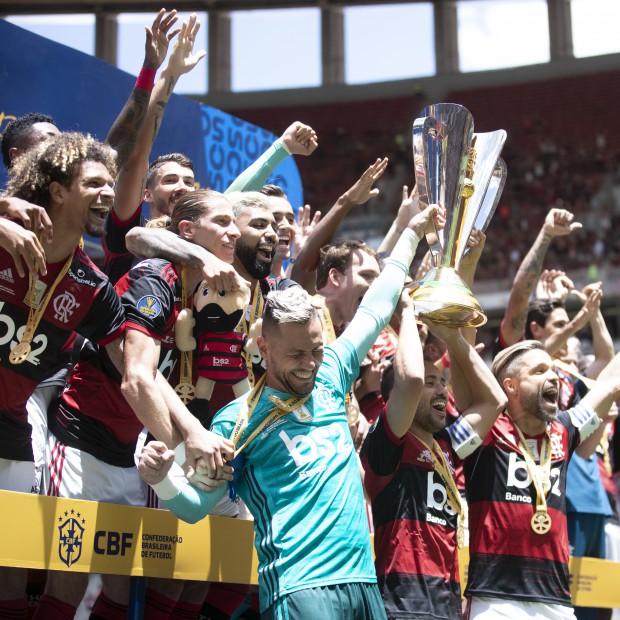 Título do Flamengo da Supercopa rende provocações ao Athletico-PR