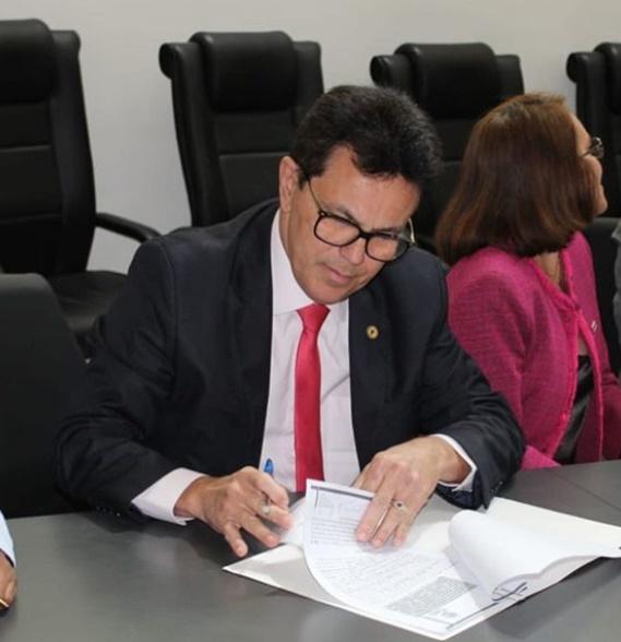 Governo assina acordo para curso de Políticas de Prevenção às Drogas