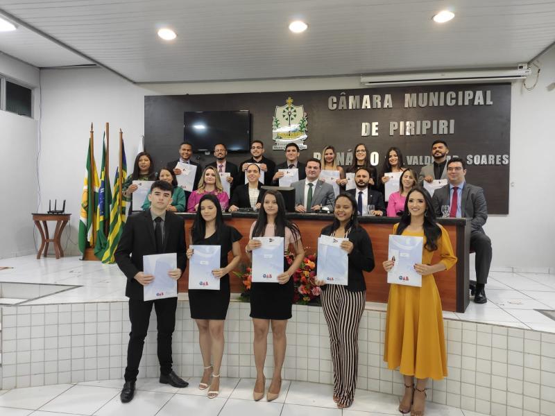 Jovens advogados e advogadas recebem Carteira Profissional em Piripiri