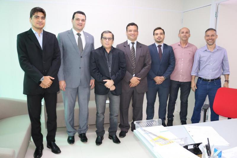 Representantes da OAB Piauí reúnem-se com Procurador-Geral do Município