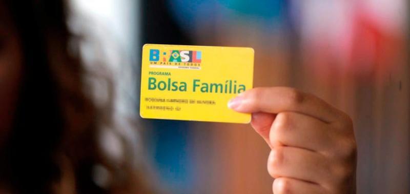 Fila do Bolsa Família já tem 3,5 milhões de pessoas