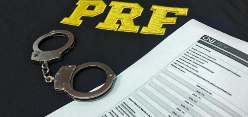 PRF captura foragido da Justiça do Distrito Federal