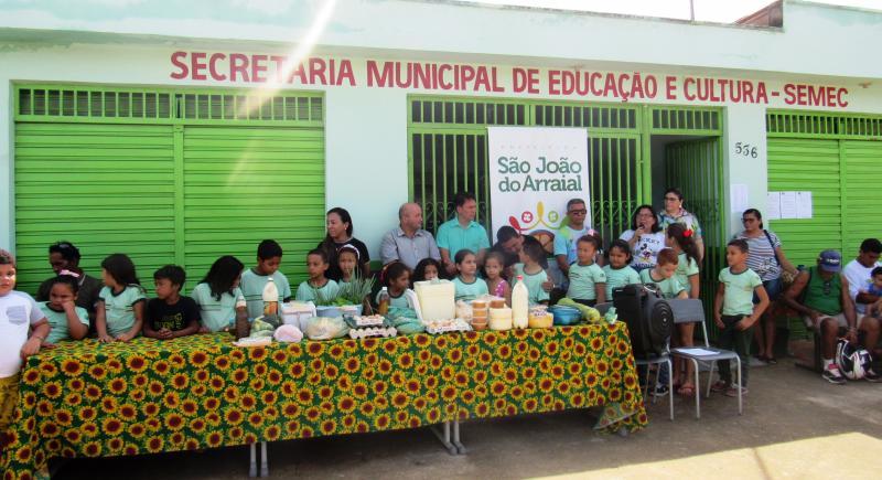 Educação reúne produtores rurais para falar sobre merenda escolar e o PNAE