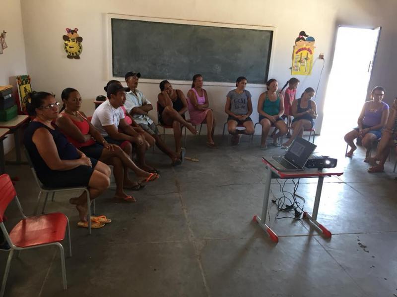 Equipe do NASF de Francisco Ayres realiza roda de conversa com 'pais e mestres'