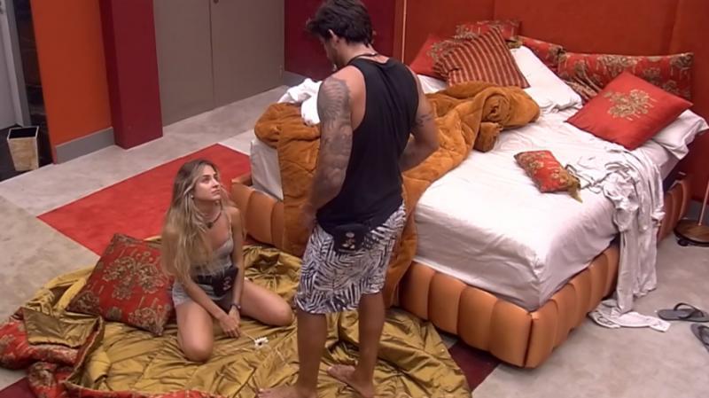 'BBB20': Gabi pede Guilherme em namoro e Marcela agita edredom com Daniel
