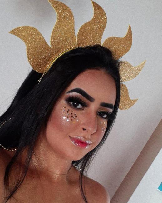 Empreendedores apostam na produção de tiarinhas para o carnaval