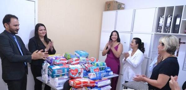 Em ação social, Subseção de Piripiri doa fraldas para maternidade