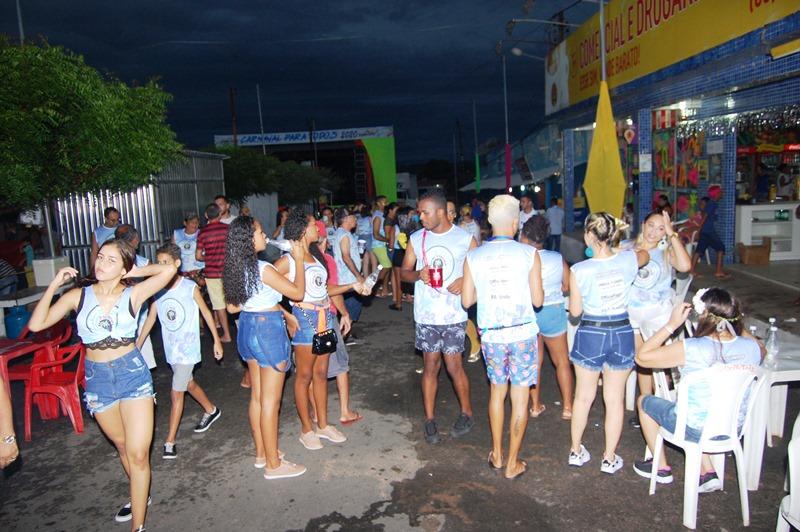 Primeira noite de carnaval em Barro Duro com muita alegria