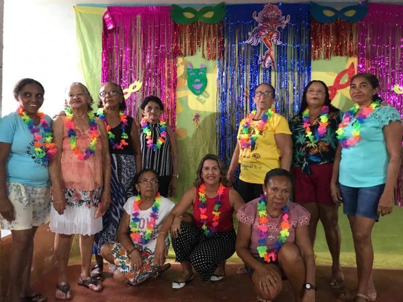 SCFV promove baile de carnaval para idosos em Francinópolis