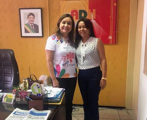 Prefeita Doquinha na ADH tratando da infraestrutura total do Conjunto Sol Nascente